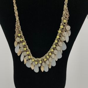YELLOW AND GOLD-TONE STATEMENT NECKLACE
